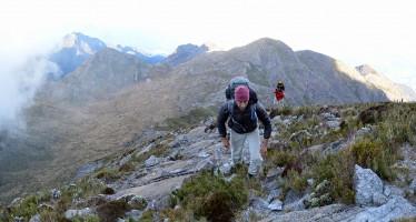 Travessia da Serra Fina – até a Pedra da Mina e Ruah