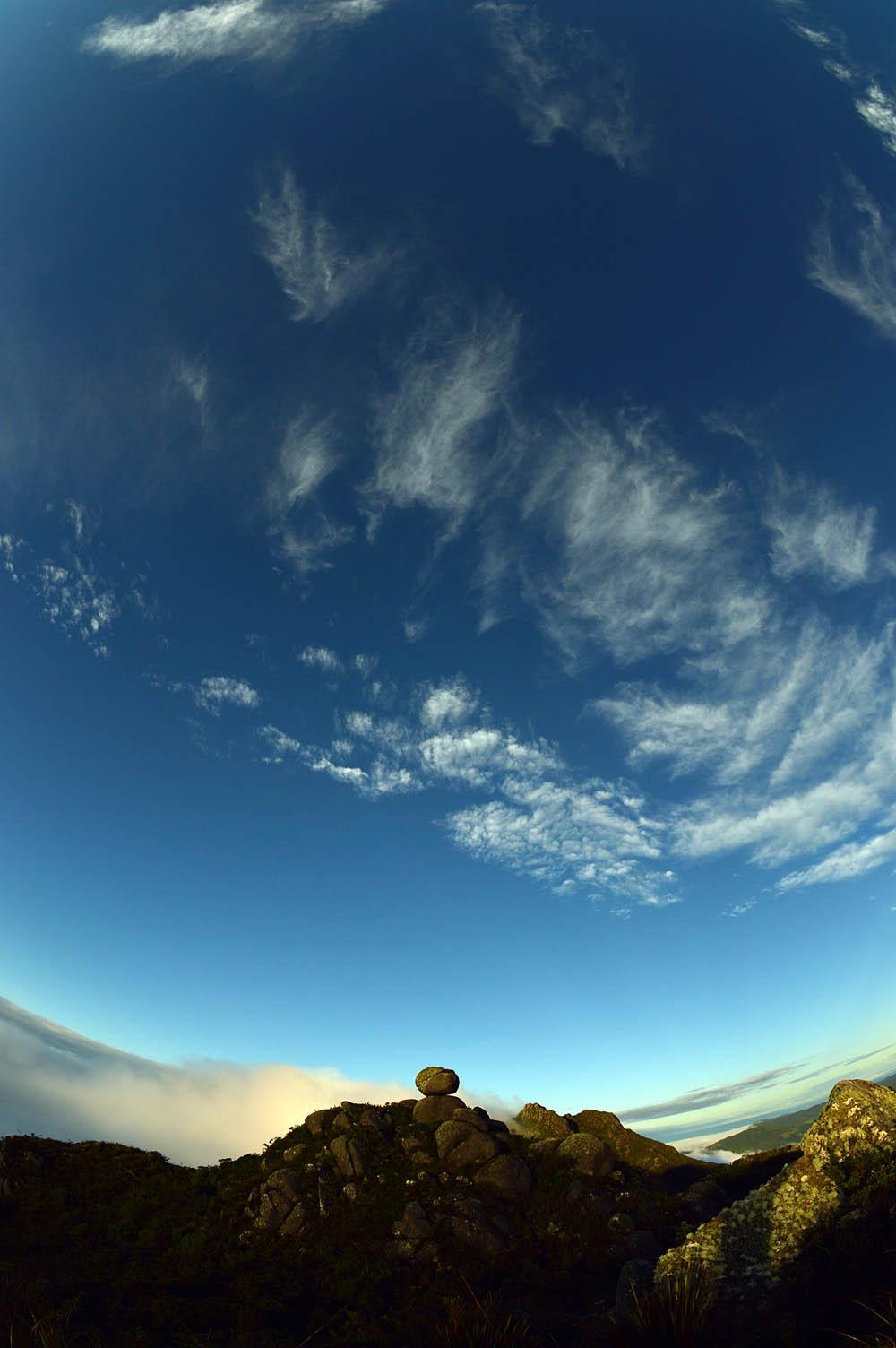 Amanhecer na Pedra Redonda.