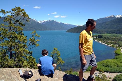 Mirante com as montanhas chilenas ao fundo.