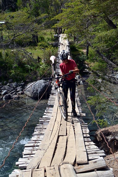 Ponte precária.