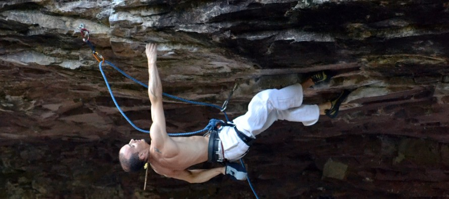 Escaladas na Gruta da Terceira Légua – On The Rocks