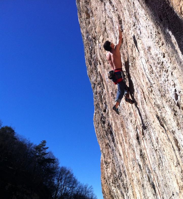César Grosso escalando na Itália.