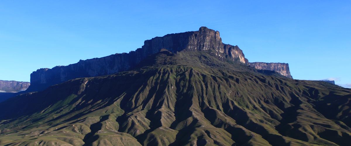 Monte Roraima visto da aproximação aérea. Marcio Bruno