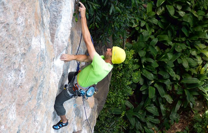 Saco de magnésio Gravity da Deuter. Excelente para escaladas esportivas.