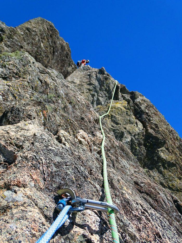 Corda é seu principal elo de segurança durante a escalada. Cuide da sua manutenção para poder confiar na resistência deste equipamento.