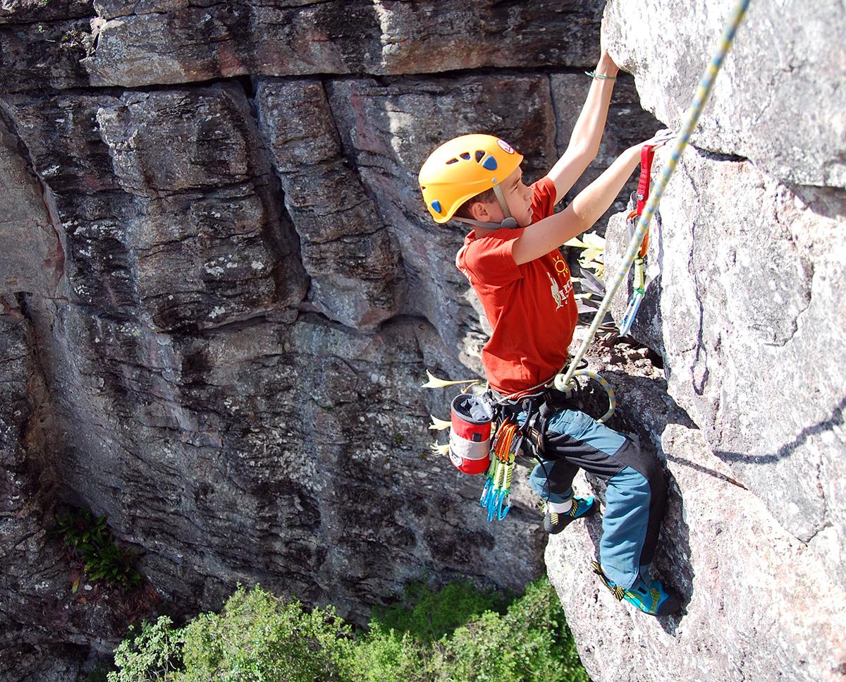 Artur Frechou em 2008 escalando numa via do Trianglin, a qual eu não me recordo o nome.