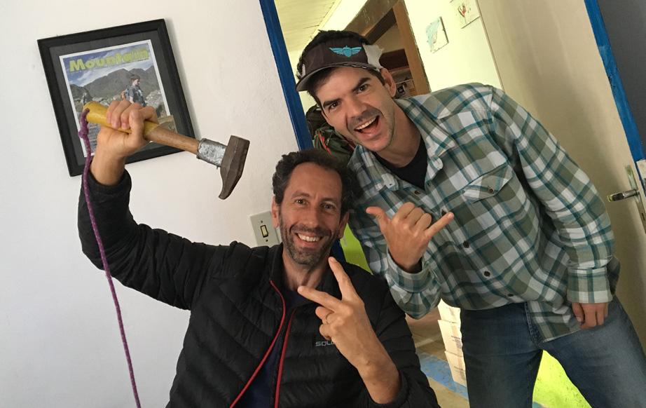 Nick, eu e o martelo feito por John Middendorf, inventor do portaledge.