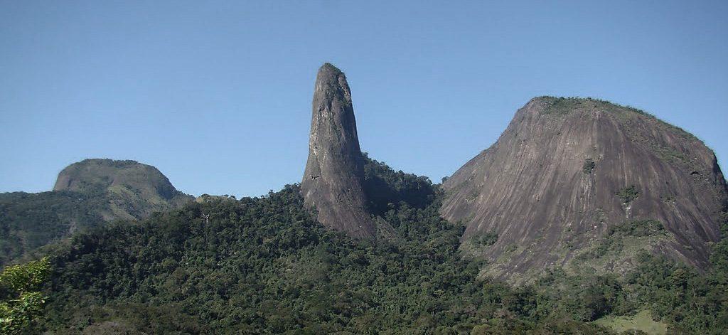 Pico do Itabira, em Cachoeiro do Itapemirim, ES