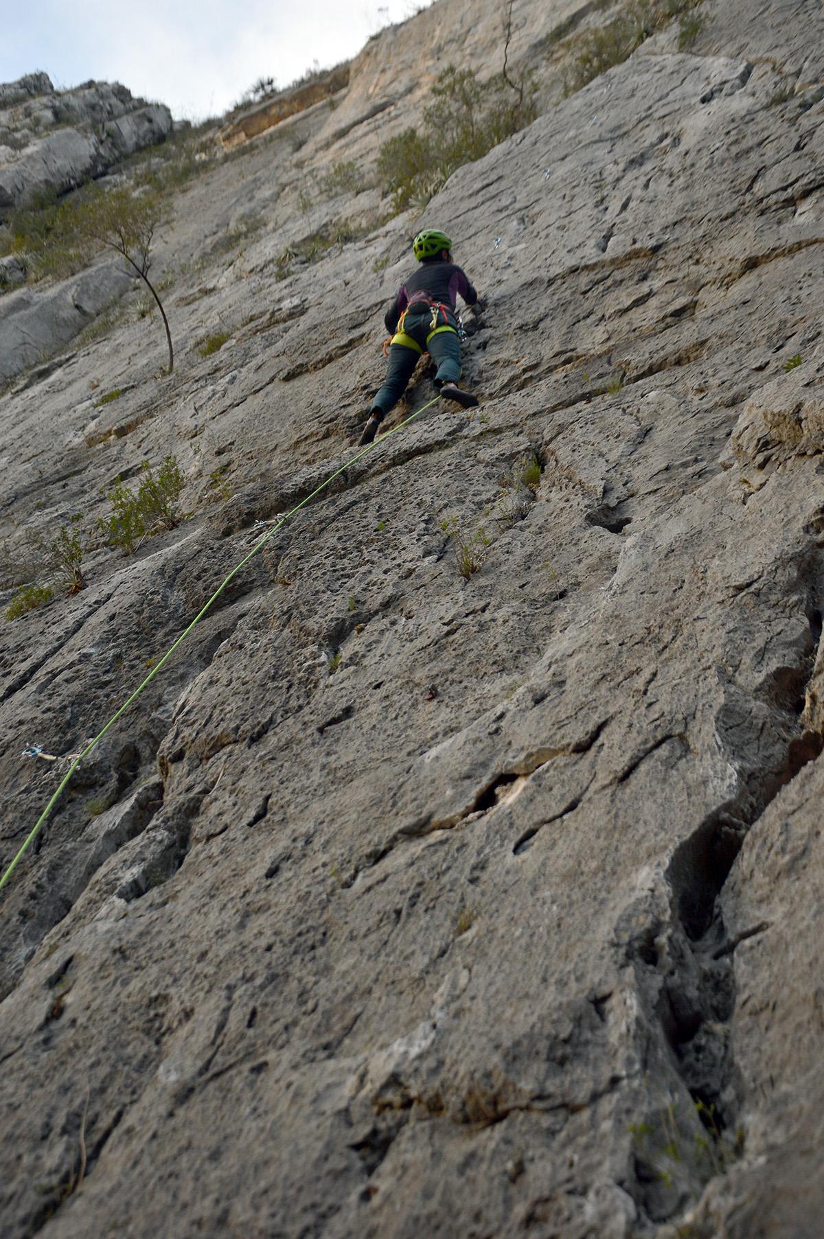 As paredes do Virgin canyon oferecem sombra no dias de sol e relativa proteção contra o vento nos dias frios, mas são crowdeadas de escaladores, cachorros de escaladores e a dica é tomar cuidado com gente escalando acima de você, que possa soltar alguma pedra.
